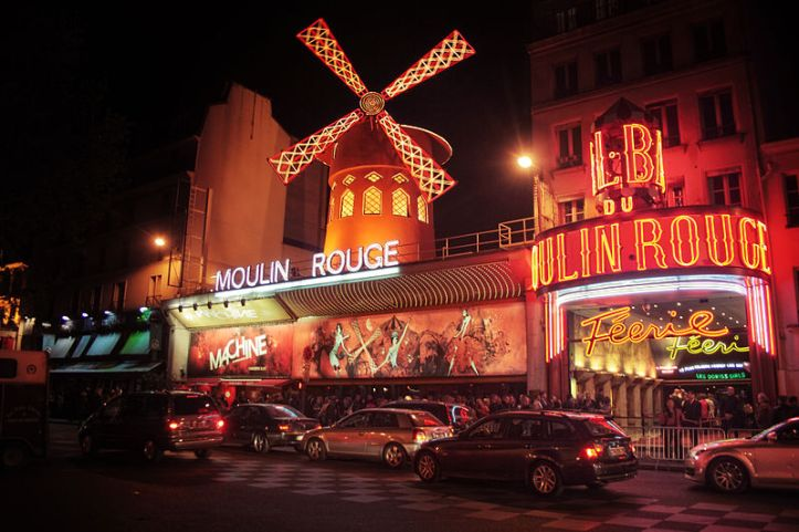 800px-Moulin_Rouge_(8124444986)