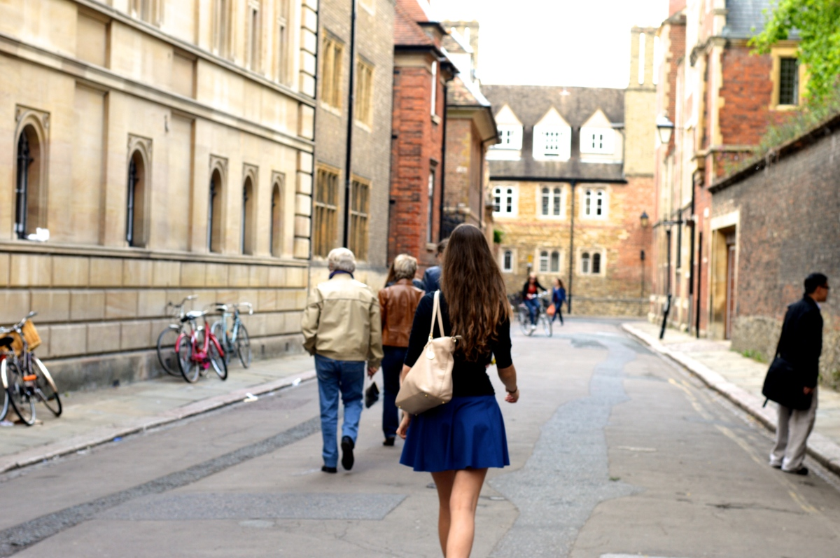 Spacerując po campusie Cambridge University