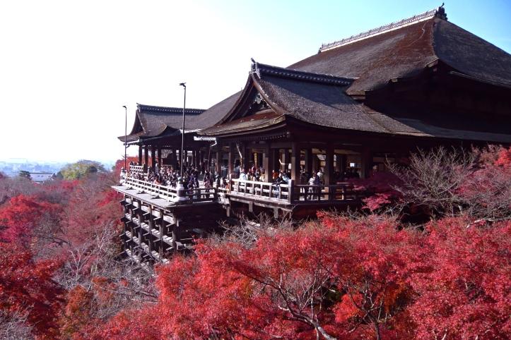 Kiyomizu-dera_in_Kyoto-r